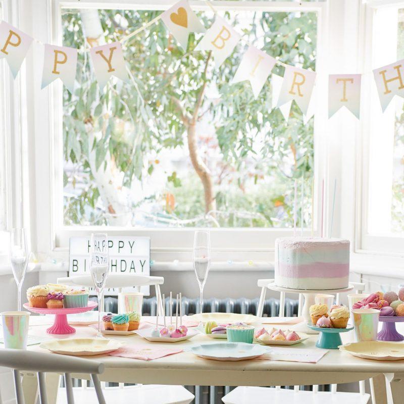 Etageres, Cake & Cupcake Stands